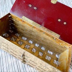 Vintage Bags - Vintage Brass & Lucite Woven Metal Basket Purse